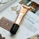 CC Cream und eine Zeitschrift